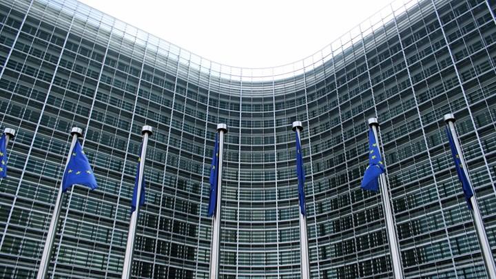 ΕΕ: Δεν μπορούν να μηνύσουν την Ελλάδα μικροομολογιούχοι | tovima.gr