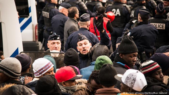 Deutsche Welle: Κράτηση προσφύγων δεν σημαίνει απέλαση   tovima.gr