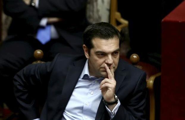 Εγκλωβισμένη η κυβέρνηση, ενώ η κοινωνική οργή φουντώνει | tovima.gr