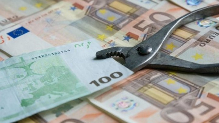 Στο στόχαστρο της εφορίας οι τραπεζικοί λογαριασμοί | tovima.gr