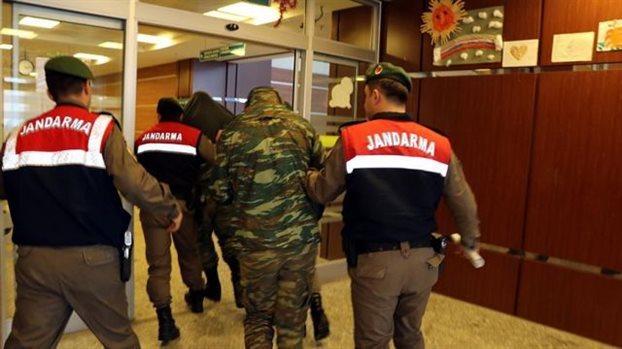 Επιστροφή των δύο στρατιωτικών με το πρωθυπουργικό αεροσκάφος | tovima.gr