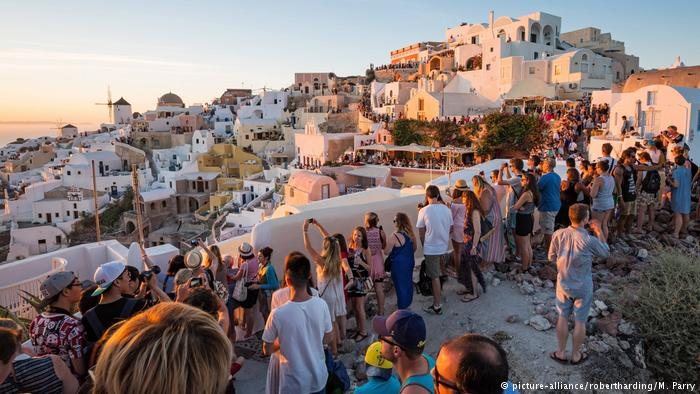 DW : Οι παρενέργειες της ελληνικής τουριστικής ανάπτυξης   tovima.gr