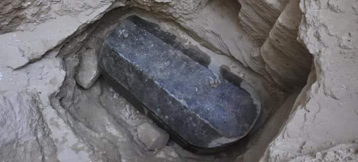 Αίγυπτος: Τι δείχνουν οι πρώτες αναλύσεις για τη γρανιτένια σαρκοφάγο   tovima.gr