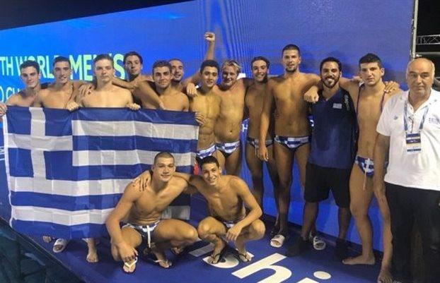 Προπονητής Εθνικής πόλο εφήβων: Αφιερώνω το χρυσό στους συναδέλφους πυροσβέστες | tovima.gr