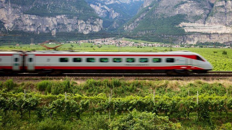 Ασημένιο Βέλος: Το τρένο θα συνδέει Αθήνα και Θεσσαλονίκη σε 3,5 ώρες   tovima.gr