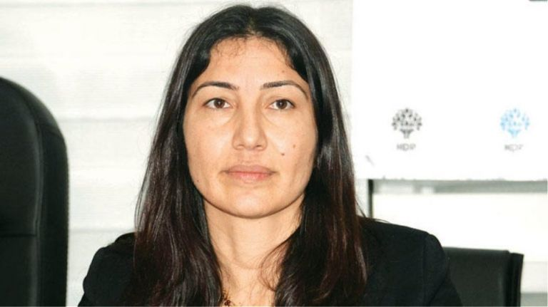 Hurriyet : Τουρκάλα πρώην βουλευτής ζήτησε άσυλο από την Ελλάδα | tovima.gr