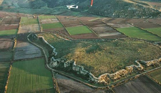 Αρχαιολογική έρευνα σε Μυκηναϊκή Ακρόπολη στη Βοιωτία   tovima.gr