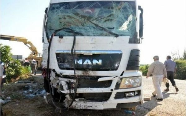 Τροχαίο με τρεις τραυματίες στον Μακρύγιαλο Πιερίας   tovima.gr