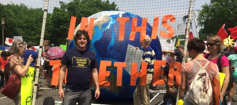 Kινητοποίηση σε 100 χώρες κατά της κλιματικής αλλαγής | tovima.gr