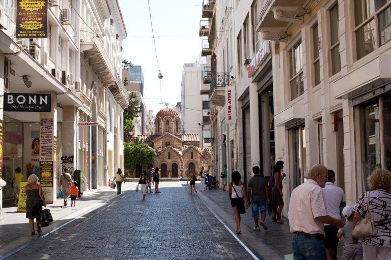 ΕΣΕΕ: «Οχι» στην λειτουργία των καταστημάτων 52 Κυριακές το χρόνο | tovima.gr