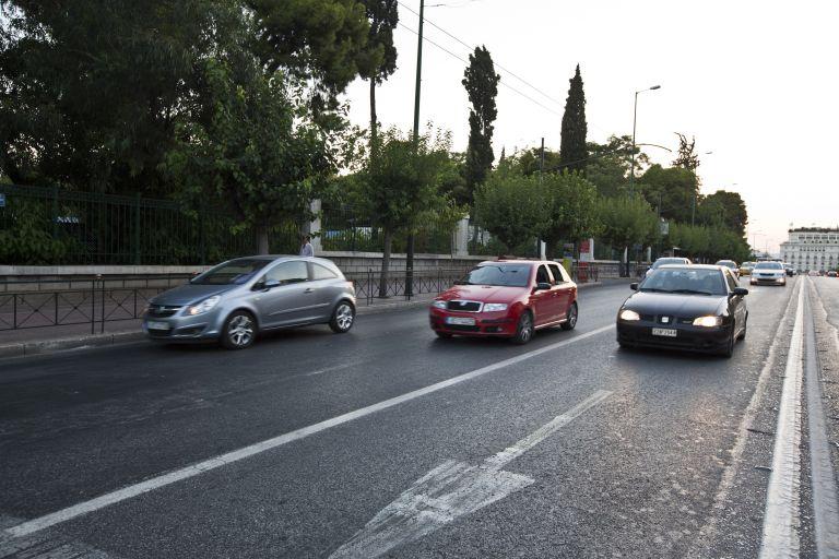 Τέλη κυκλοφορίας ΙΧ: τέσσερις εργάσιμες για την πληρωμή τους | tovima.gr