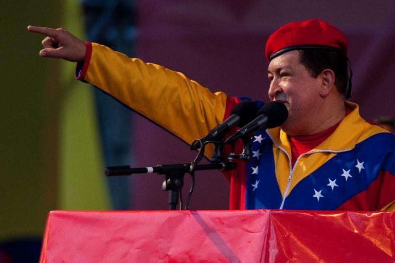 Ούγκο Τσάβες: Δηλώνει «ελεύθερος» από τον καρκίνο | tovima.gr