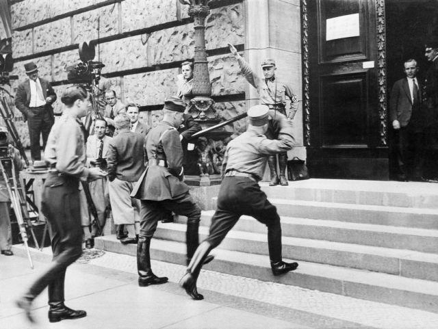 Χάινριχ Α. Βίνκλερ: «Κίνδυνος είναι οι λαϊκίστικες δυνάμεις και όχι η Βαϊμάρη» | tovima.gr