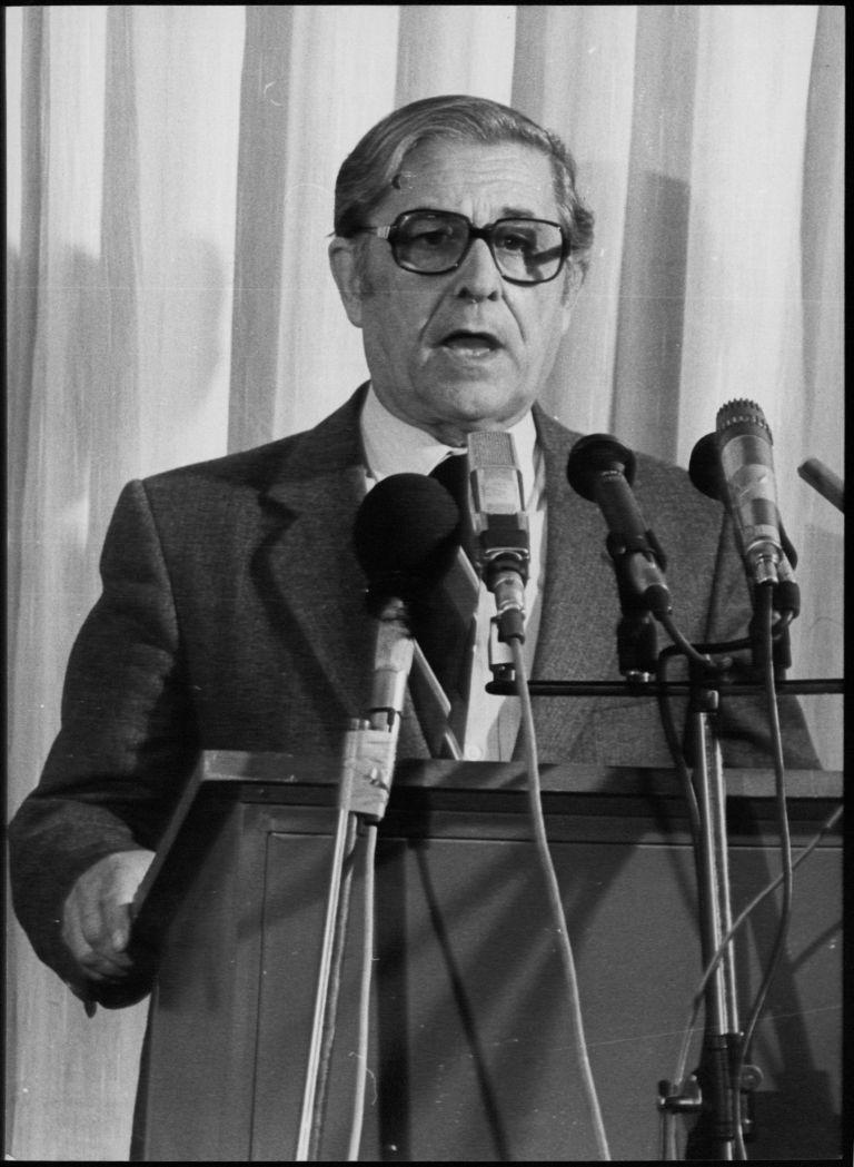 Πέθανε ο καθηγητής και πρώην υπουργός Απόστολος Λάζαρης   tovima.gr