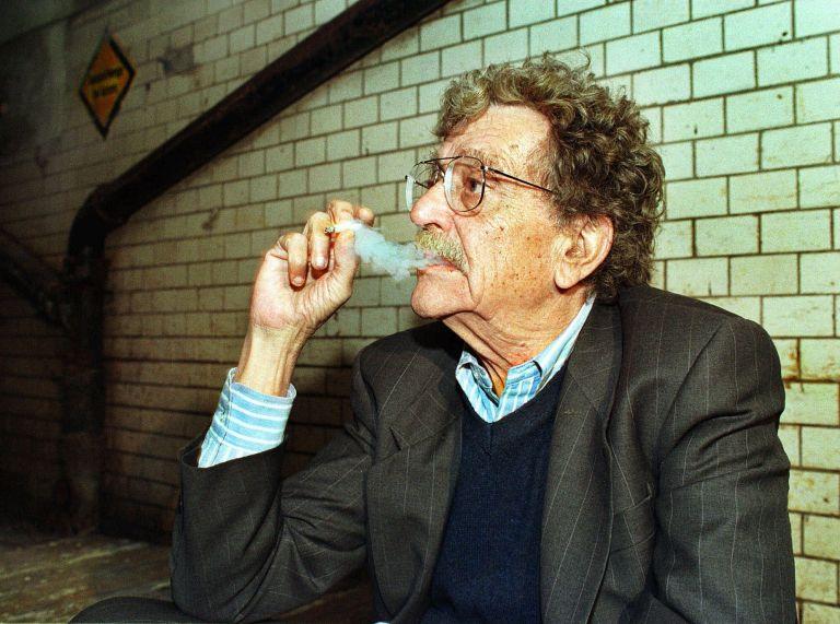 Μυστήριο και αντιφάσεις για τη ζωή του συγγραφέα Κερτ Βόνεγκατ   tovima.gr