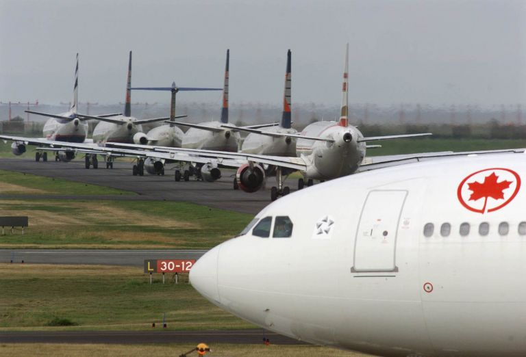 Καπνοί στις καμπίνες αεροσκαφών της καναδικής Porter Airlines | tovima.gr