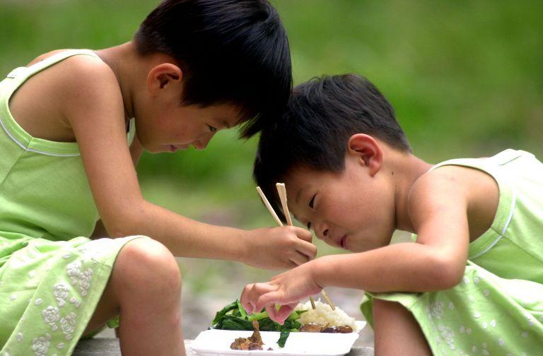 Κοινωνικά «ανάπηροι» οι κινέζοι λόγω της πολιτικής του ενός παιδιού | tovima.gr