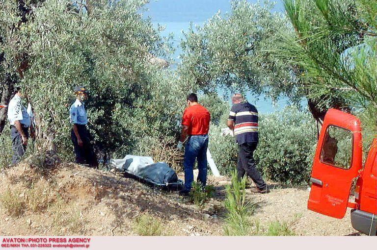 Θάσος: Μια χτένα στοιχείο-κλειδί τριπλής δολοφονίας μετά από 13 έτη | tovima.gr