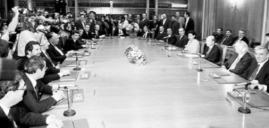Ο πρωθυπουργός και οι υπουργοί του   tovima.gr