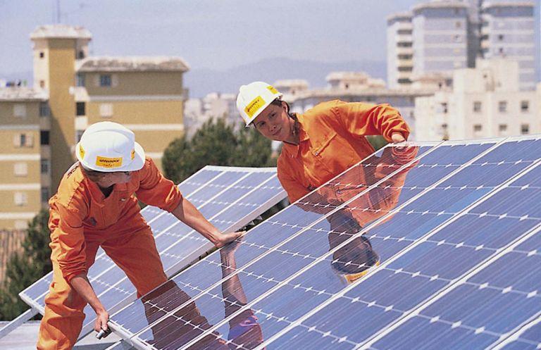 «Δώρα» για τα φωτοβολταϊκά στις στέγες | tovima.gr
