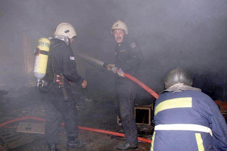Υπό μερικό έλεγχο πυρκαγιά σε βιοτεχνία στο Μεταξουργείο | tovima.gr