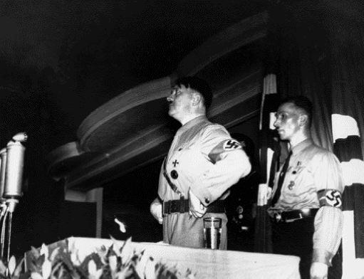 Αδόλφος Χίτλερ | tovima.gr