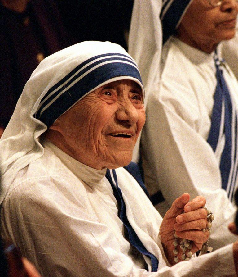 Ο μύθος της Μητέρας Τερέζας ως Αγίας γκρεμίζεται   tovima.gr