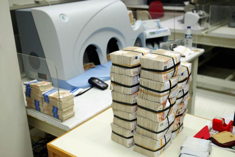 Handelsblatt: Σχεδόν διπλάσια η δόση προς την Ελλάδα | tovima.gr