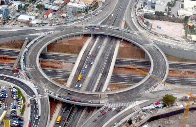 Τα τροχαία «καλπάζουν», η πολιτική για ΚΟΚ και οδική ασφάλεια «κοιμάται» | tovima.gr