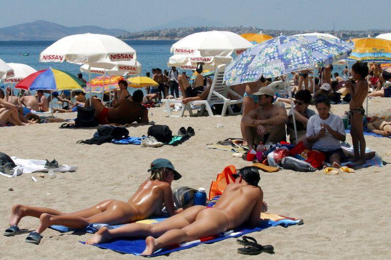 Kαμίνι την Τρίτη η χώρα με το θερμόμετρο στους 40 βαθμούς | tovima.gr