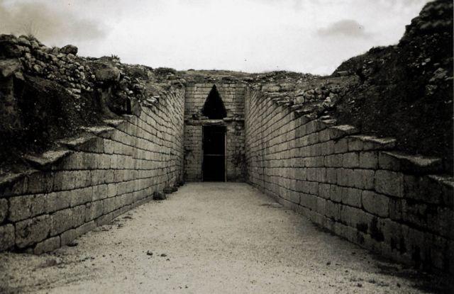 Γερμανοί αρχαιολόγοι: Δεν ευθύνονται οι σεισμοί για την καταστροφή του μυκηναϊκού πολιτισμού | tovima.gr