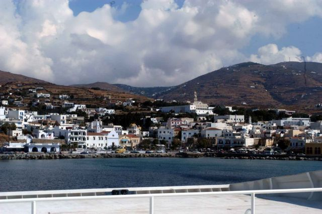 Τήνος: Δύο νεκροί από πτώση απορριμματοφόρου σε γκρεμό | tovima.gr