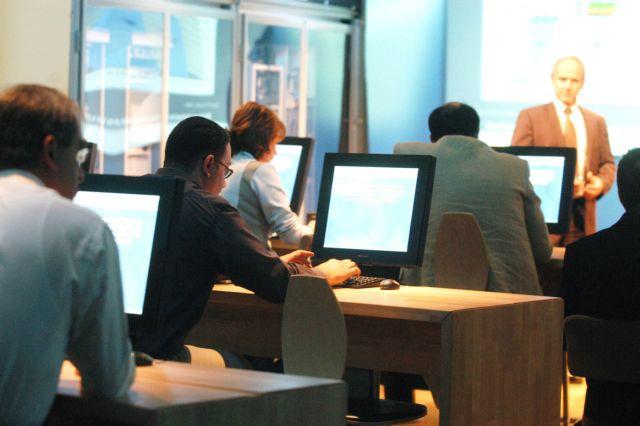 Φορητά εργαστήρια πληροφορικής σε όλα τα γυμνάσια της χώρας | tovima.gr