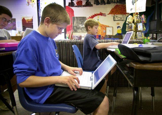 Οι νέες τεχνολογίες στις σχολικές αίθουσες | tovima.gr