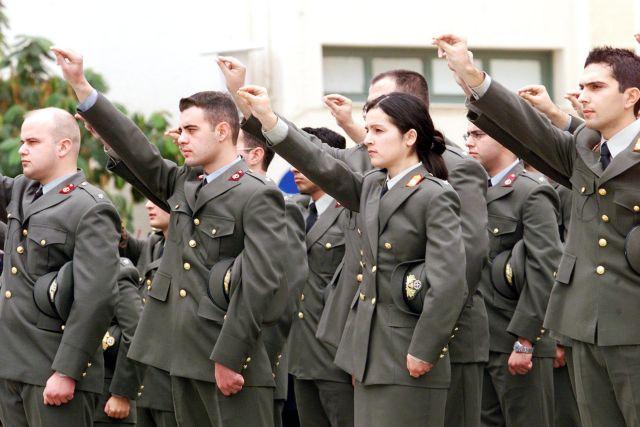 Υπεγράφη η απόφαση για τις μεταθέσεις στις Ενοπλες Δυνάμεις   tovima.gr
