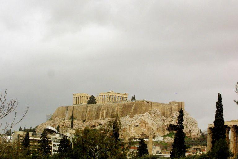 Μεγάλη Εβδομάδα με συννεφιά και βροχές | tovima.gr
