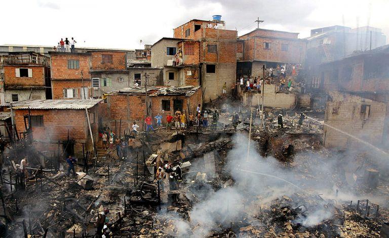 Βραζιλία: ταραχές σε φαβέλα στο Ριο ντε Ζανέιρο | tovima.gr