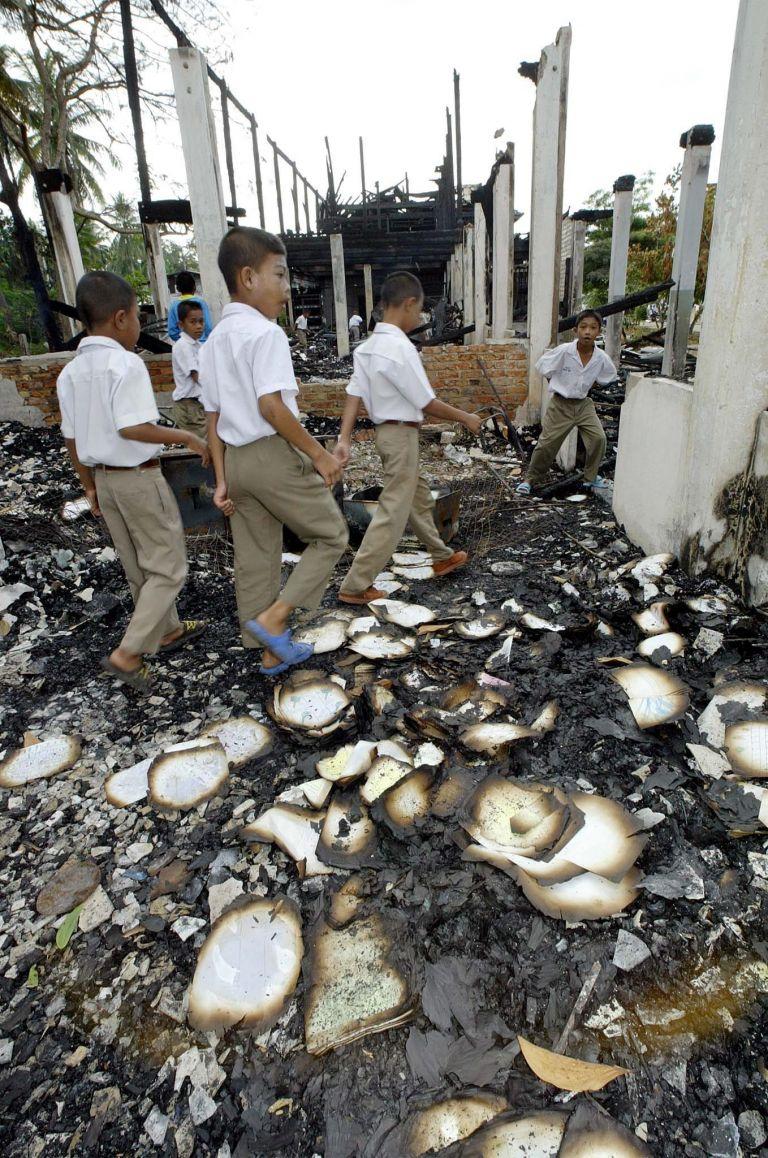 Ταϊλάνδη: Καταστράφηκε ολοσχερώς από πυρκαγιά εργοστάσιο κατεψυγμένων | tovima.gr