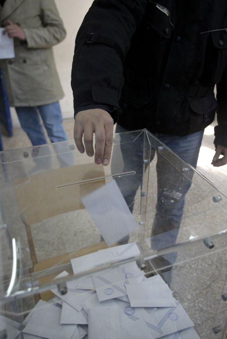 Ανατροπές σε 13 Δήμους της Αττικής στο β' γύρο των εκλογών   tovima.gr