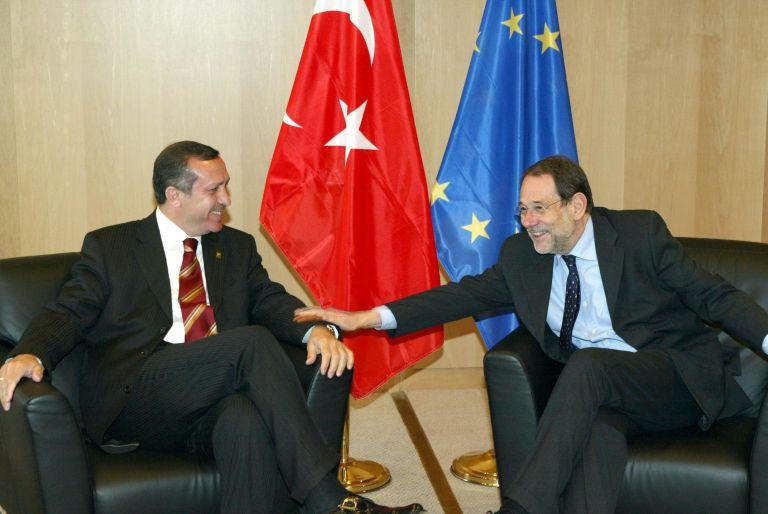 Spiegel: Προβλήματα χρηματοδότησης στη συμφωνία ΕΕ-Τουρκίας για το προσφυγικό   tovima.gr