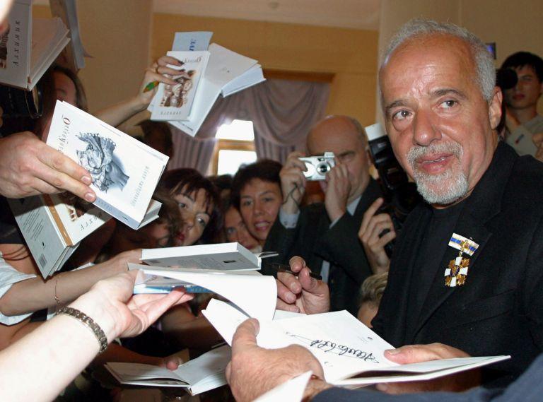 Ο «ευπώλητος» Πάουλο Κοέλιο αμφισβητεί τον Τζέιμς Τζόις | tovima.gr