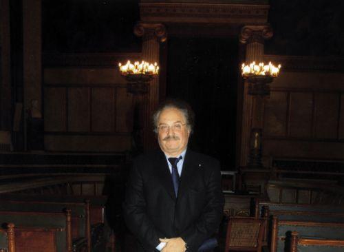 Επανεξελέγη πρόεδρος της Εταιρείας Συγγραφέων ο κριτικός Αλέξης Ζήρας   tovima.gr