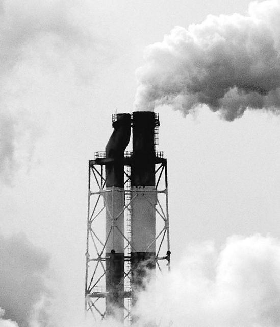 Η κρίση τροχοπέδη στους περιβαλλοντικούς ελέγχους | tovima.gr