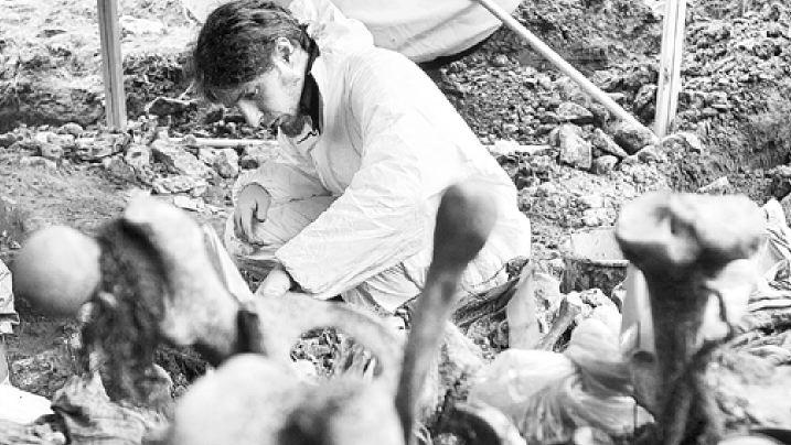 Οι Ελληνες της σφαγής της Σρεμπρένιτσα | tovima.gr