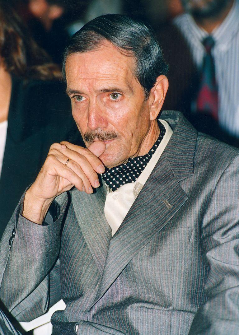 Πέθανε ο Νίκος Φώσκολος – Ο χρυσοδάκτυλος του εμπορικού θεάματος | tovima.gr