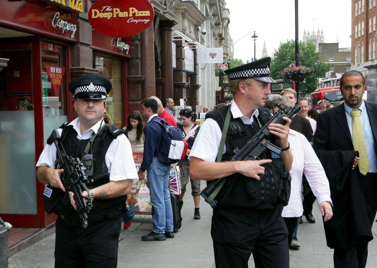 Βρετανία: Αντιμετώπιση της τρομοκρατίας με νέο νομοσχέδιο   tovima.gr