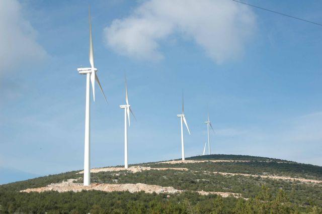 Υπερψηφίστηκε επί της αρχής η κρατική ενίσχυση έξι αιολικών πάρκων | tovima.gr