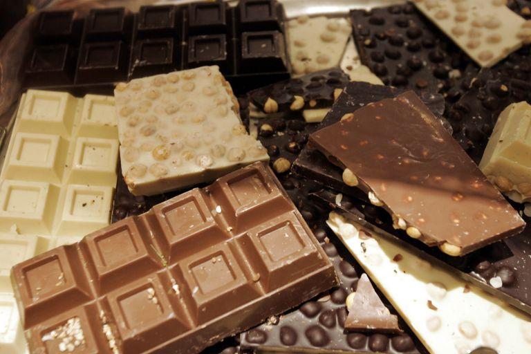 Αποσύρθηκαν σοκολάτες με σκουλήκια | tovima.gr