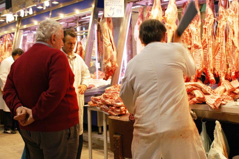 ΕΣΕΕ: Φθηνότερο κατά 1,8% φέτος το πασχαλινό τραπέζι | tovima.gr