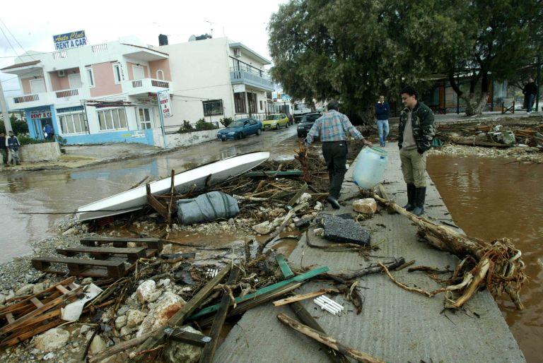 Πλημμύρισαν σπίτια και καταστήματα στα Χανιά | tovima.gr